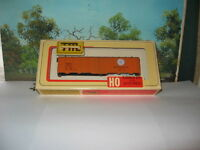 """TRAIN MINIATURES HO SCALE #2353 40 TON A.A.R. ALL STEEL REEFER NYC """"EARLY BIRD"""""""