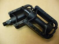"""PAIR OF JUNIOR 1/2""""CYCLE/BIKE PEDALS NEW"""