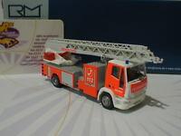 """RIETZE 68502 - IVECO Magirus DLK M 32 L """" Feuerwehr Hildesheim """" 1:87 in PC-Box"""