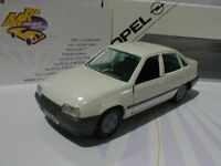 "Rarität !! GAMA Opel Kadett E Limousine Baujahr 1979 in "" weiss "" 1:43  TOPPREIS"