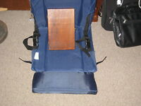 Really nice nylon Stadium Seat with storage pockets new