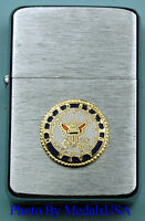 U.S. NAVY CREST WIND PROOF PREMIUM USN LIGHTER IN A GIFT BOX   SBC043