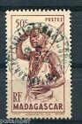 MADAGASCAR 1946, timbre 303, DANSEUR DU SUD, oblitéré