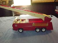 VINTAGE TOY  1960-70S LARGE METAL TONKA  FIRE DEPT ENGINE LADDER TRUCK