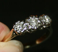 b34 LADIES 9CT GOLD .25 CARAT 1/4 DIAMOND TRILOGY RING