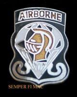 GOLDEN KNIGHTS AIRBORNE HAT LAPEL PIN UP US ARMY PARACHUTE JUMP TEAM AIRSHOW WOW