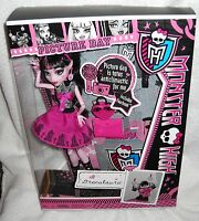 #4838 NRFB Mattel Monster High Picture Day Draculaura Doll