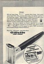 PUBLICITE ADVERTISING   1967    GILETTE le rasoir qui rentre dans une trousse