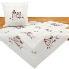 Graue Eulen auf Ast Stickerei Tischdecke Mitteldecke Tischdeko Kissenhülle Ecru