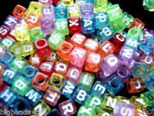 50x CUBO COLORATO UNICO Alfabeto / Lettera A-Z Perline 6mm