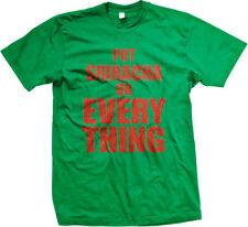 Put Sriracha On Everything Sauce Thai Pho Asian Noodles Thailand Men's T-Shirt