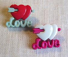 LOT de 2 BOUTONS COEUR FLECHE LOVE - 18 x 20 mm - coloris au choix - Couture