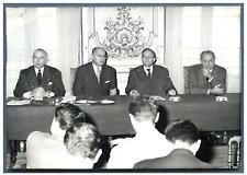 France, Campagne électorale: Conference de presse de l'UDT  Vintage silver