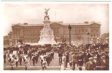 RPPC Postcard Victoria Memorial London England UK