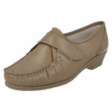 Mujer Sandpiper Beis Leather CIERRE ADHESIVO Zapato EVA