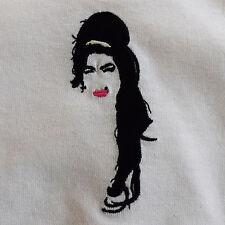 AMY Winehouse OMAGGIO Bianco Ricamato Tee T-shirt da realtà