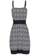 B15110290 Damen Madonna Kleid kurz Bandeau Brustpolster Aztekenmuster schwarz
