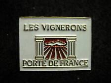 Les Vignerons Porte de France Hat Lapel Pin HP1441