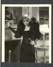 CONSTANCE BENNETT GLAMOR + FASHION PHOTO  FROM 1932 - BEAUTIFUL
