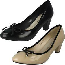 Señoras punto en Tribunal Zapatos Tacón Bajo Con Adorno De Arco