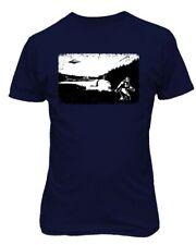 Bigfoot Loch Ness Monster Ufo Weird Vintage Cool Cryptozoology Men's T-Shirt