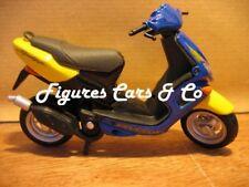 MOTO SCOOTER 1/18 PEUGEOT SPEEDFIGHTER  MAISTO COQUE
