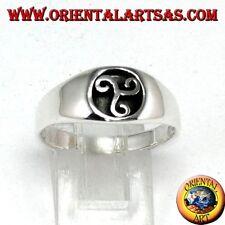 Anello in argento 925‰ a sigillo triscele, triskellion o triskell