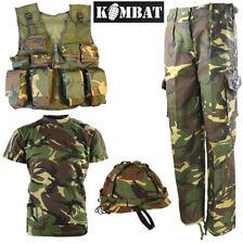 Combat Kids T-SHIRT PANTALONI d'assalto gilet Elmetto DPM Mimetico Esercito Britannico Combo Set