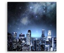 Urbane Fotografie – Skyline mit funkelndem Sternenhimmel auf Leinwand