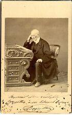 Photo ancienne CDV Portrait Homme âgé à son bureau circa 1850 Second Empire