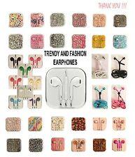 Accesorios móviles Auricular tipos en diferentes opciones de patrón y diseño de moda