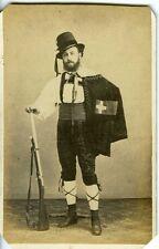 CDV PHOTO SUISSE un homme pose en tenue traditionnelle vintage albumen 1870