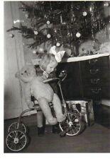 Ansichtskarte: Mädchen mit Dreirad und Teddy unterm Weihnachtsbaum - Essen 1948
