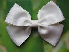 Barrette cheveux gros noeud papillon en tissu satin moiré blanc fête mariage été