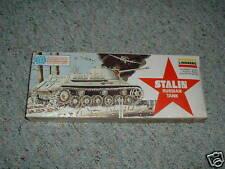Lindberg  1/64  Stalin Tank 1975 issue kit