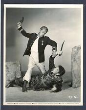 ALAN LADD VS RICHARD CONTE - 1952 KEY BOOK - VERY GOOD+