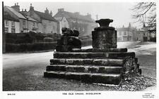 Old Cross Middleham unused RP old postcard by Lilywhite