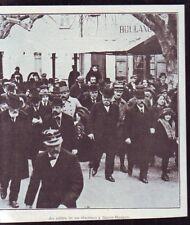 1920  --  CLEMENCEAU AU MILIEU DE SES ELECTEURS A SAINTE MAXIME   VAR  W586