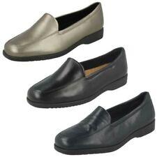 Femmes Clarks Georgia Plat Mocassins Style Chaussures