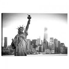 Quadro Stampa su Tela con Telaio Statua della Liberta con la citta sullo sfondo