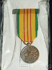 US ARMY MINI VIETNAM SERVICE MEDAL ORIGINAL BOX ISSUE MINIATURE
