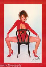 POSTER: SANDI KORN ON CHAIR -  SEXY FEMALE MODEL - FREE SHIPPING ! #3060   LW8 K