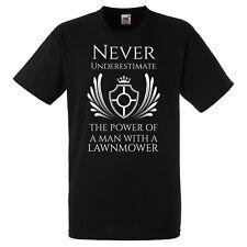Ne Jamais Sous-Estimer la puissance d'un homme avec une tondeuse à gazon T Shirt