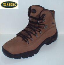 Bota trekking piel  impermeable Marca Paredes tallas 40,41 y 45