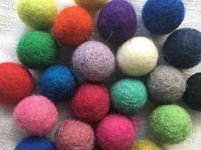100/% laine POMPON FEUTRE boules 2 cm Home Crafts Assorted Color noël Nursery