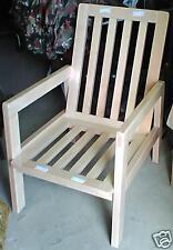 Magnifique fauteuil de salon en pin massif verni