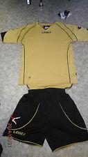 Abverkauf ! Trikot-Set  PARIGI  von LEGEA  gold/schwarz Gr. S , M oder XL