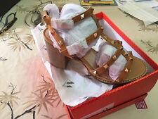 VANESSA WU été 2017 : sandales cloutées à talon neuves, étiquetées valeur 57€