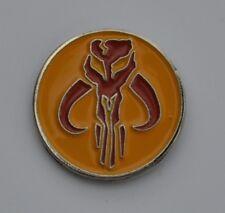 Star Wars Red and Gold Mandalorian Mythosaur Skull Emblem Enamel Pin Badge