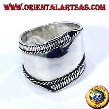 Anello fascia larga in argento, Bali con righe asimmetriche